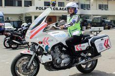 Tribratanews.com – Di Cilacap, Jawa Tengah, 21 tahun silam, tepatnya 18 April 1994, lahir bayi peremuan yang diberi nama Sintia Moris.   Dua puluh satu tahun kemudian, siapa nyana, ia menjadi satu-satunya perempuan dalam Tim Patwal Presiden Indonesia kelima, sekaligus presiden perempuan pertama di negeri ini, Megawati Soekarnoputri, saat berkunjung ke Cilacap, 18 Desember 2015 lalu.