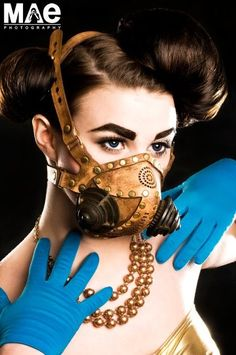 TomBanwell is a steampunk mask visionary. Exquisite beauty rests in every piece.
