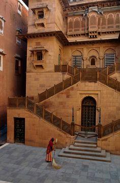 Junagarh Fort, Bikaner, Rajasthan, India. For tours arrangement , write us at nomad.traveller@yahoo.com www.rajasthantourzpackages.com