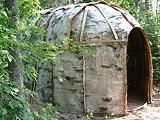 Shelter - Birch bark Wigwam (I don't know how I even ended up on this website but now I want to go build a wigwam and live in it for a week/month/forever) Survival Shelter, Wilderness Survival, Camping Survival, Survival Gear, Survival Skills, Survival Weapons, Native American History, Native American Indians, Cherokee Indians