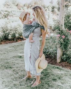Baby girl blonde mom 20 Trendy ideas - It's a Girl Mom And Baby, Mommy And Me, Baby Love, Mom And Girl, Foto Baby, Jolie Photo, Mother And Child, Mom Style, Trendy Baby