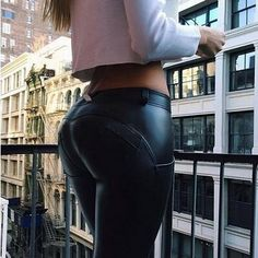 Winter plus size Leather Pants Women Peach Push Up Hip Female Warm up Skinny Stretch Pencil Pants PU Leather Trousers Women Plus Size Leather Pants, Leather Jeans, Faux Leather Leggings, Pu Leather, Leggings Outfit Summer, Leggings Are Not Pants, Givenchy, Balenciaga, Gucci