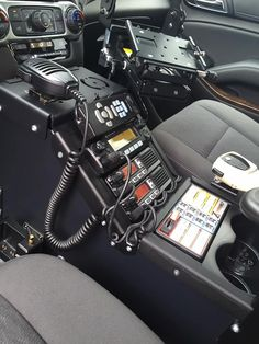Keys to Getting the Law Enforcement Job You Want Cool Truck Accessories, Truck Accesories, Cool Trucks, Fire Trucks, Carros Suzuki, Radios, Zombie Survival Vehicle, Chevy Silverado Accessories, Ham Radio Equipment