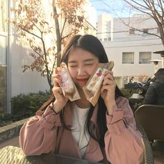 Image about girl in asian beauties. Korean Girl Short Hair, Cute Korean Girl, Aesthetic Girl, Aesthetic Photo, Korean Photo, Fru Fru, Selfies, Ulzzang Korean Girl, Uzzlang Girl