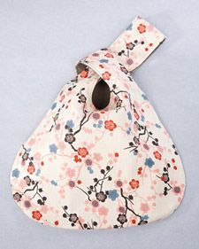 This simple reversible purse is a wonderful project for beginning and advanced sewers alike.