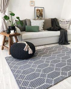 37 Ideas Crochet Rug Carpet Living Rooms For 2019 Crochet Doily Rug, Crochet Carpet, Tapestry Crochet, Carpet Diy, Rugs On Carpet, Carpet Ideas, Brown Carpet, Blue Carpet, Crochet Home Decor