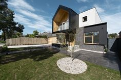 R.Z.Owens Constructions Pty Ltd | High Street, NUNAWADING VIC