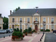 Cloyes-sur-le-Loir : Hôtel de ville (mairie)