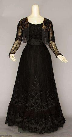 "ravensquiffles: "" Black silk lace with jet beads c.1908 Augusta Auctions """