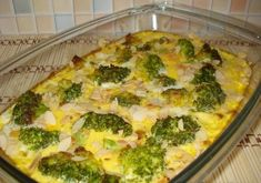 Fitness zapekaná brokolica so syrom - Receptik. Fun Cooking, Cooking Recipes, Czech Recipes, Home Recipes, Broccoli, Zucchini, Food And Drink, Low Carb, Baking
