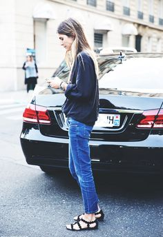 Cropped jeans + sandals