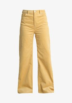 Weekday ACE TROUSERS - Bukser - light yellow - Zalando.dk Trendy Outfits, Girl Outfits, Fashion Outfits, Winter Outfits, Summer Outfits, Yellow Clothes, Julia, Girl Fashion, Womens Fashion