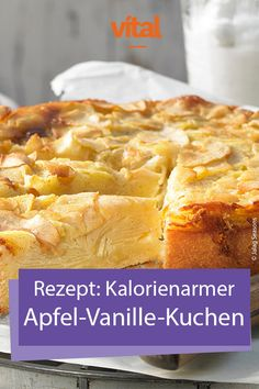 Recipe for low-calorie apple and vanilla Rezept für kalorienarmen Apfel-Vanille-Kuchen With this wonderful candy, the dough only plays a secondary role: the star of the cake is the apple, which keeps the calorie account low. Since it can be a bit. Calories Apple, Banana Bread French Toast, Law Carb, Best Protein Shakes, Protein Desserts, Homemade Tacos, Vanilla Cake, Cake Recipes, Food And Drink