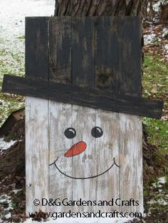 Pallet Snowman Project by D&G Gardens and Crafts