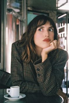 Jeanne Damas, Style Parisienne, Winter Mode, French Girls, Spring Street Style, Minimal Fashion, Parisian Style, Look Cool, Well Dressed