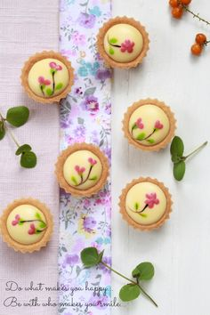Blueberry Cheese Tarts ***This is in a foreign language.  Need to use Google…