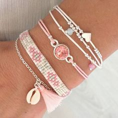 schmuck Preparing for spring & summer ♡ Ditch the Dummy in only 5 Easy Steps Babies ha Summer Bracelets, Cute Bracelets, Diy Bracelets Easy, Ankle Bracelets, Summer Jewelry, Jewelry Bracelets, Cute Jewelry, Diy Jewelry, Beaded Jewelry
