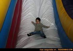 Niño divirtiendose | Risa Sin Más