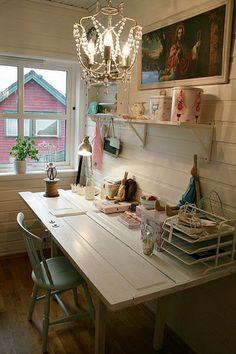mesa con puerta #El Sabor de lo Antiguo