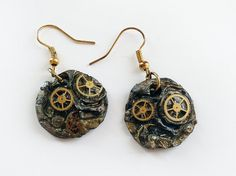 Steampunk Circle Clay Earrings - Made to Order. $17.00, via Etsy.    --    #Jewelry #Earrings #PolymerClay #Steampunk #Gears #Cogs #polymer #Steampunkearrings #claysteampunk #clay #circle