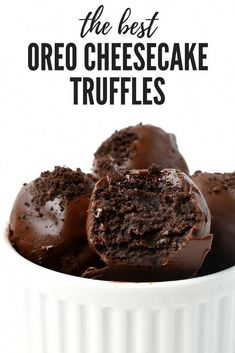 Oreo Cheesecake Truffles, The BEST 3 Ingredients Oreo Cheesecake Truffles! - Oreo Cheesecake Truffles, The BEST 3 Ingredients Oreo Cheesecake Truffles! Dessert Oreo, Bon Dessert, Dessert Food, Oreo Dessert Recipes, Appetizer Dessert, Easy Desserts, Delicious Desserts, Yummy Food, Homemade Desserts