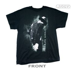 JiGGy.Com - Michael Jackson - Retrospective T-Shirt Michael Jackson t-shirt with side shot of the King Of Pop performing with his trademark white by his side. Printed on a black 100% cotton t-shirt.