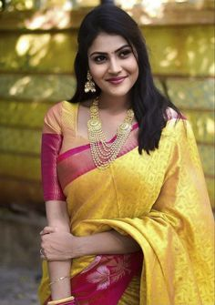 Beautiful Girl In India, Beautiful Blonde Girl, Beautiful Girl Photo, Beautiful Saree, Beautiful Women, Beautiful Bollywood Actress, Most Beautiful Indian Actress, Beautiful Actresses, Cute Beauty
