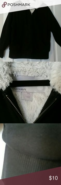 XXL Old Navy Sherpa Full-Zip Hooded Sweatshirt Black Sherpa Lined Full-Zip Hooded Sweatshirt. Comfortable and soft to the touch, this Hooded Sweatshirt will keep you very warm. Ribbed cuffs and waistband keeps heat in. XXL fits like XL. Old Navy Jackets & Coats