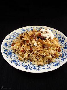 Opekana ryza so sampinonmi a lobiou Rice Dishes, Pasta Salad, Risotto, Stuffed Mushrooms, Treats, Ethnic Recipes, Indie, Button, Food