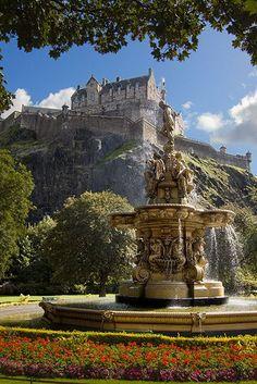 Edinburgh Castle and Ross Fountain in the Princess Street Gardens, Scottland
