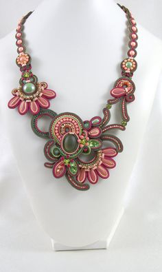Soutache Necklace / olive green peach par BeadsRainbow sur Etsy