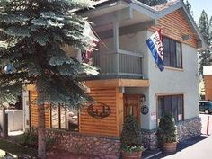 Incline Village (NV) Parkside Inn at Incline United States, North America Located in Incline Village, Parkside Inn at Incline is a perfect starting point from which to explore Incline Village (NV). The hotel has everything you need for a comfortable stay. Car park, Wi-Fi in public areas, room service are just some of the facilities on offer. Each guestroom is elegantly furnished and equipped with handy amenities. Take a break from a long day and make use of indoor pool. For re...