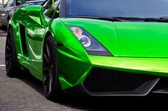 Lambo in green chrome