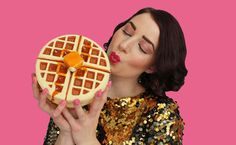 waffle purse - how cute (and crazy) is this? - rommy kuperus bags