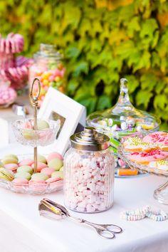 #canbdybar Verrückte pink-grüne Spätsommerhochzeit auf der Mittelburg | Hochzeitsblog - The Little Wedding Corner