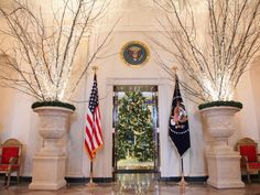 The crystal branches also flank the entrance to the Blue Room. — Image courtesy of Washington, D.C., photographer Marty Katz