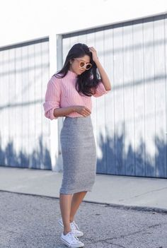 13 Pink Outfit That You Can Rock - Don't know how to put together a pink outfit that looks stylish and hot? Here are 13 pink outfit ideas that could help you. Grey Pencil Skirt, Pencil Skirt Outfits, Pencil Skirt Casual, Mode Outfits, Casual Outfits, Fashion Outfits, Converse Fashion, Fashion Tips, Fashion Mode