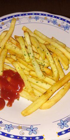 Junk Food Snacks, Food N, Food And Drink, Cute Food, Yummy Food, Snap Food, Food Snapchat, Food Goals, Aesthetic Food