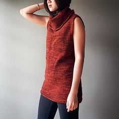 This tunic is perfect for our climate here on the Eastern Seaboard, kinda cold, but not really cold enough for a full sweater. Initially knit in the round, then knit flat for the front, back and shoulders, Then back in the round for the cowl neck.
