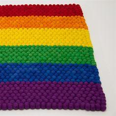 Det frække Rainbow Square kugletæppe laves på bestilling i den ønskede størrelse. - www.bajar.dk