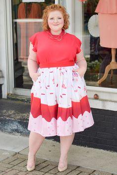 Retro Whimsy Look Book with Liz Louize Boutique: fashion should be fun and fashion should be fantasy, and this new boutique in Royal Oak, MI embodies that! #lizlouize #royaloak #royaloakmichigan #royaloakmi #plussizefashion #plussizeclothing #whimsicalfashion #romanticfashion #retrofashion #retrostyle