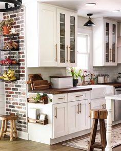 Kitchen Redo, Home Decor Kitchen, Rustic Kitchen, New Kitchen, Home Kitchens, Kitchen Dining, Kitchen Remodel, Kitchen With Brick, Country Chic Kitchen