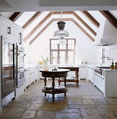Wow, what a kitchen...