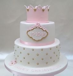 Two tier princess cake with crown - Backen (Kuchen) - Kuchen Torta Baby Shower, Torta Princess, Princess Crown Cake, Pretty Cakes, Beautiful Cakes, Fondant Cakes, Cupcake Cakes, Christening Cake Girls, Dad Birthday Cakes