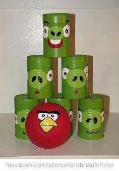 Brincando e Reciclando ... Boliche de Latas! Faça com as crianças, elas aprenderão o Valor da Reciclagem e terão muito prazer em construir seu próprio brinquedo!