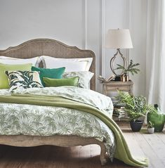 A contemporary romantic bed thanks to its chic rattan headboard Ikea Girls Bedroom, Oak Bedroom, Small Room Bedroom, Bedroom Bed, Bedroom Decor, Bedrooms, Master Bedroom, Small Rooms, Bedroom Ideas Pinterest