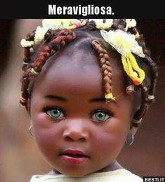 So eine kleine Schönheit ! Cute Little Baby, Cute Baby Girl, Little Babies, Cute Babies, Baby Girls, Fitness Inspiration, Istanbul, Cute Kids Photography, Baby Faces