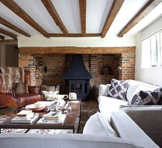 15 Homey Rustic Living Room Designs