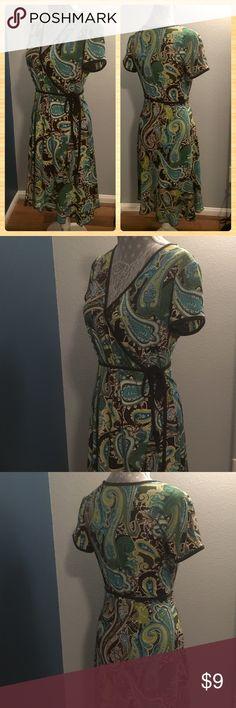 Apt. 9 Waist Tie Dress w/ Ruffle Bottom Size Small Apt. 9 Side Waist Tie Dress w/ Ruffle Bottom Size Small Paisley / Swirl Design 96% Polyester, 4% Spandex 90's Style Apt.9 Dresses Midi