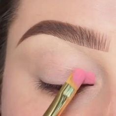 Smoky Eye Makeup, Eye Makeup Steps, Eye Makeup Art, Natural Eye Makeup, Eyeshadow Makeup, Eyeliner, Makeup Tips, Rainbow Eye Makeup, Colorful Eye Makeup